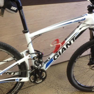 "Giant Anthem Advanced 1 (MEDIUM) (2012) 26"" Carbon Mountain bike with Full XT including T/R XT whee"